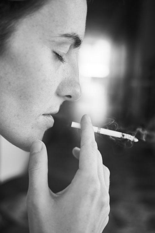 cigarette dependency women's