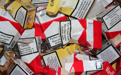 cigarette box empty unhealthy