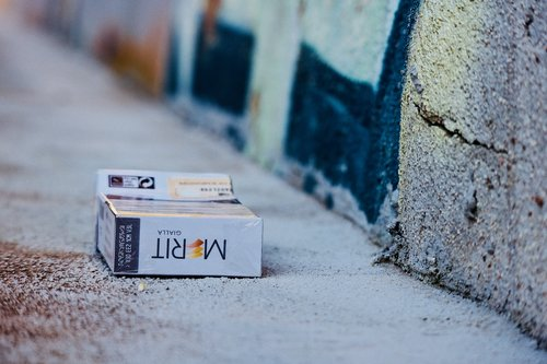 cigarettes  tobacco  dependency