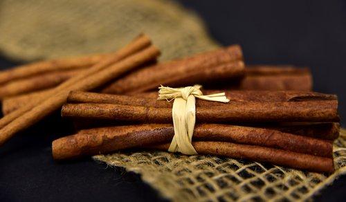 cinnamon  cinnamon sticks  spice