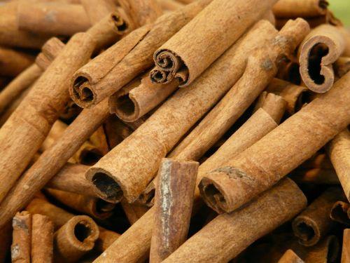 cinnamon cinnamon sticks dried