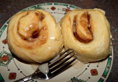 cinnamon roll homemade pastry