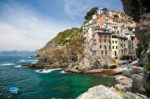 cinque terra italy mediterranean