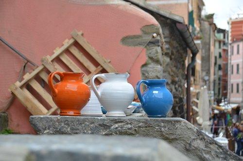 cinque terre  vases  pots