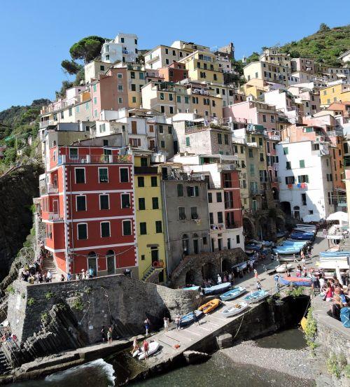 cinque terre houses colors