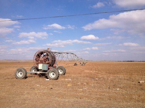 circle irrigation blue sky machinery