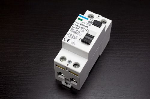 circuit breakers rcds fault current