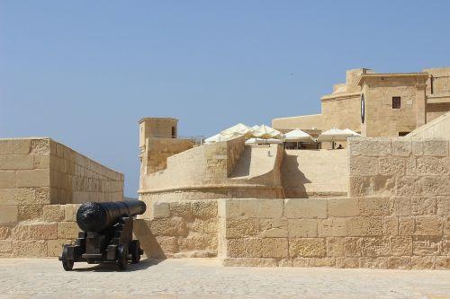 citadelė,architektūra,orientyras,tvirtovė,patranka,istorinis,turizmas,kelionė,siena,bokštas,akmuo,Europa,europietis,malta,gozo,sala,Viduržemio jūros,maltiečių,atostogos,šventė