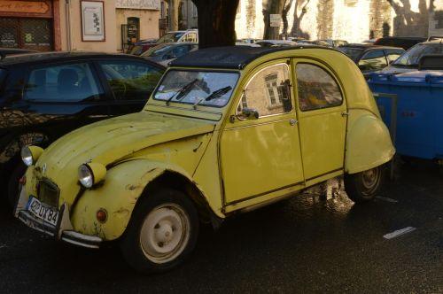 citroën 2cv car yellow