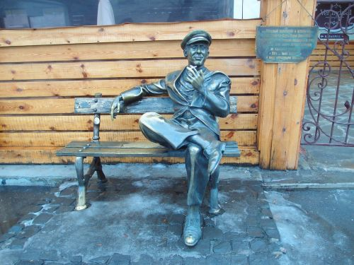 ostap bender monument statue