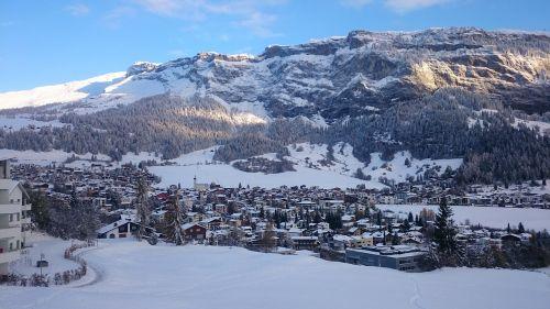city alpine mountains