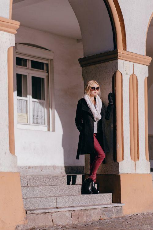 miestas,architektūra,mada,žmonės,arcade,arcade,ruduo,fonas,grožis,juoda,Šviesiaplaukis,pastatas,kailis