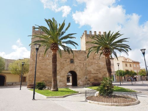 city gate porta del moll porta de xara