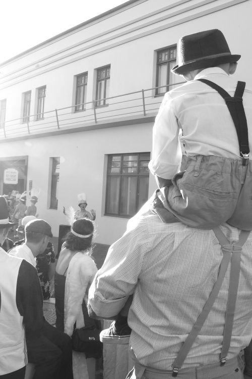 street performance vintage people
