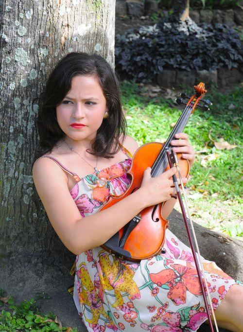 classical violinist violin