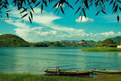 classical  scenery  lake