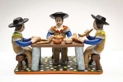 clay dolls estremoz