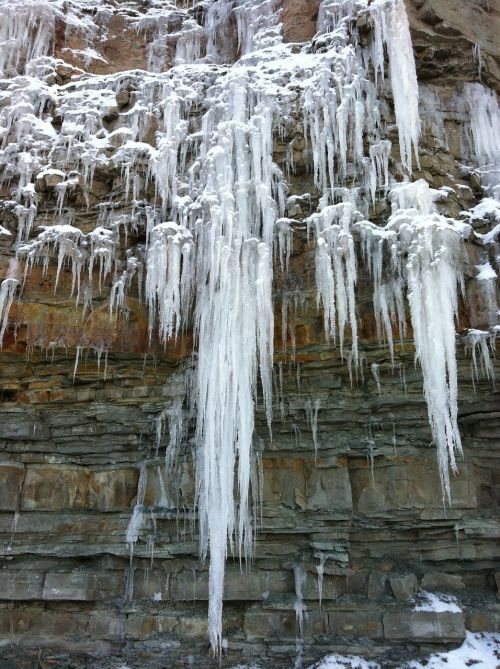 uolos,varveklių,sušaldyta,užšaldyti,ledas,ledinis,vanduo,žiema,Rokas,varveklių,tirpimas,ledinis,ledinis,ištirpinti,atšildyti,gamta