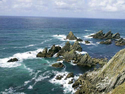 cliff rocks loiba