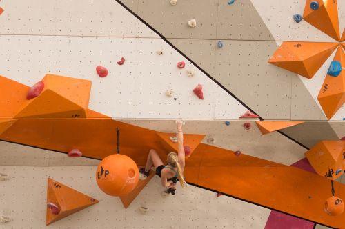 cliff hanger climbing