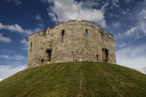 clifford's tower york castle defensive tower