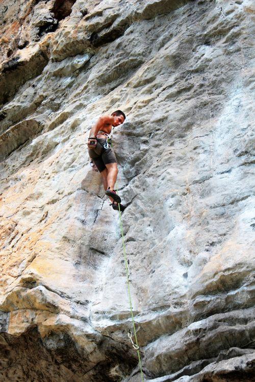 climb abseil climber