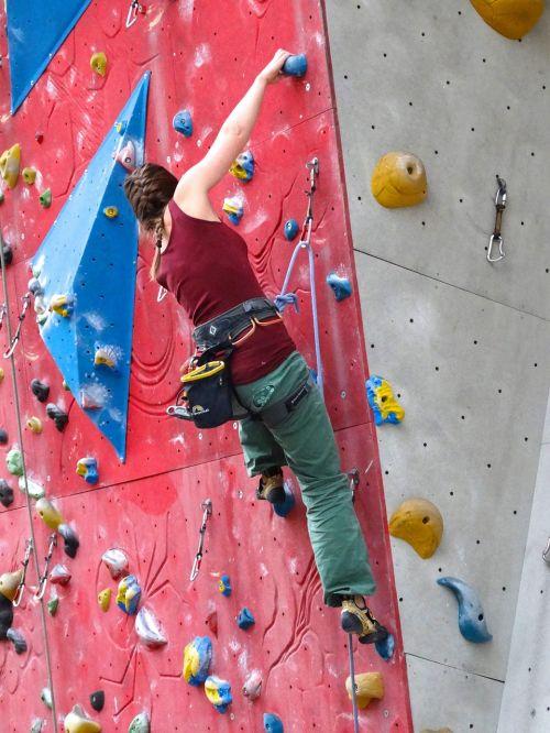 climber climbing wall arm strength