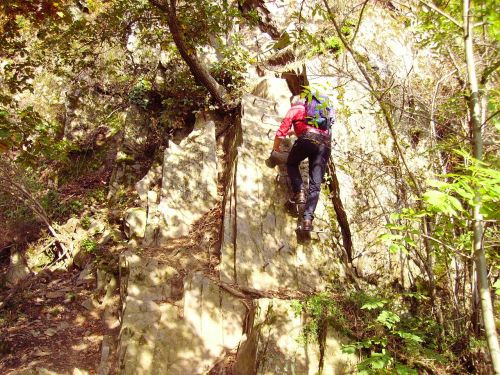 climbing iron hook medium difficulty