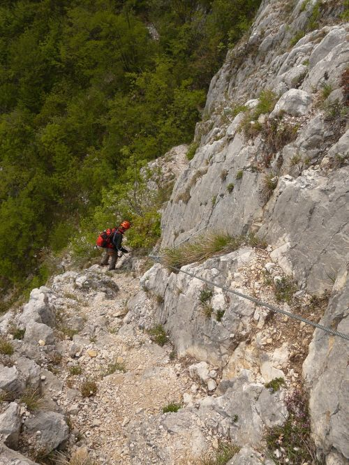 climbing garda rock crash