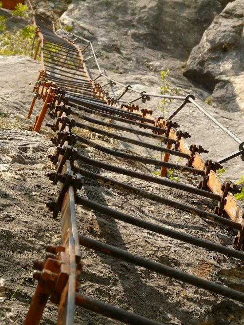 climbing head iron ladder