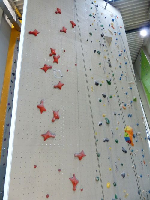 climbing wall high speed route climb