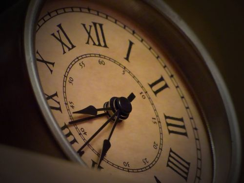 clock nostalgic dark
