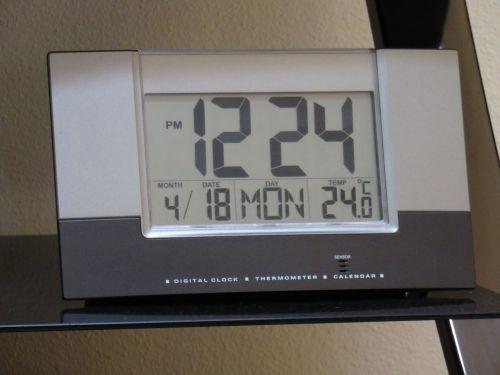 clock date time