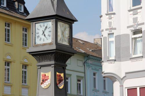 clock authority slim mathilde