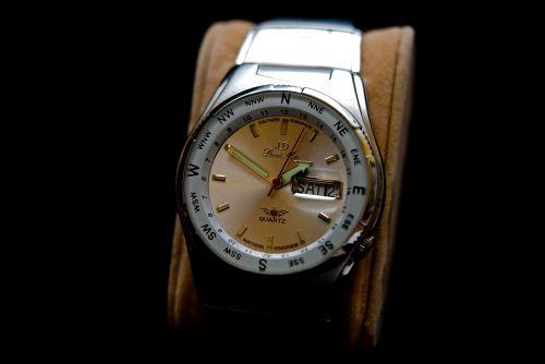 clock mens wrist watch