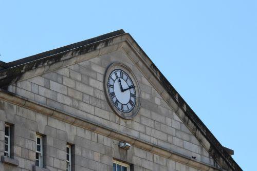 clock block building
