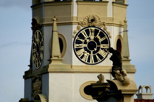 clock the town hall architecture