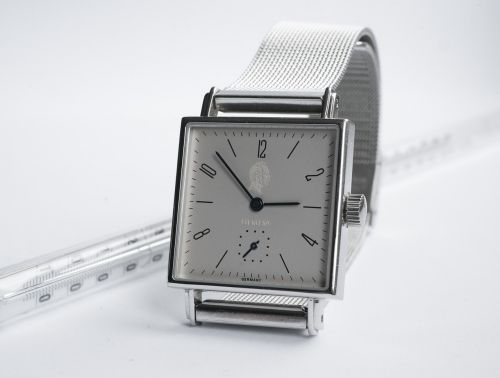 clock number wrist watch