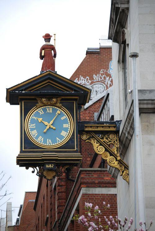 clock time ornate
