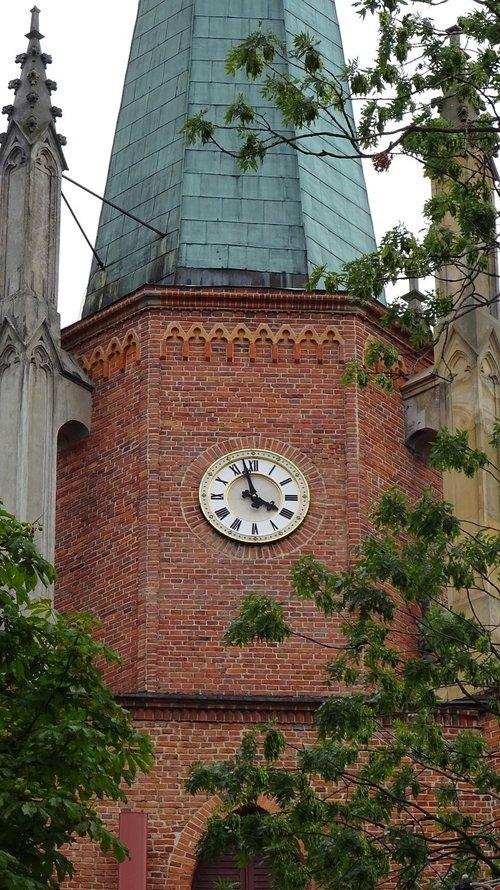 clock  church  tower