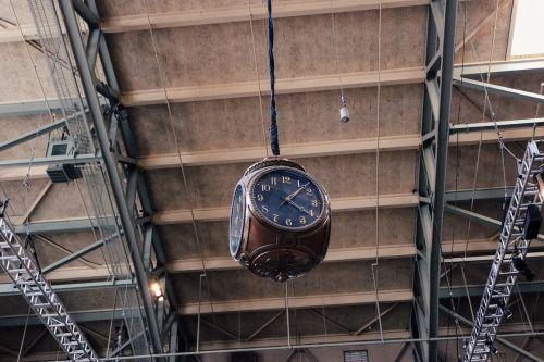 clock time vintage