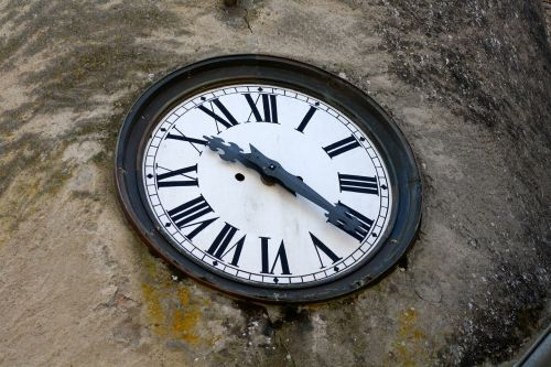 clock roman numerals building clock time ten twenty