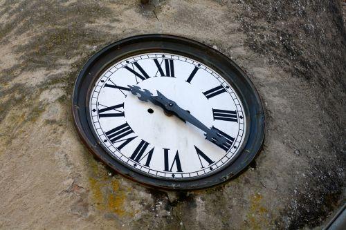 laikrodžio romėniški skaitmenys,pastato laikrodis,laikas dešimt dvidešimt,didelis laikrodžio veidas