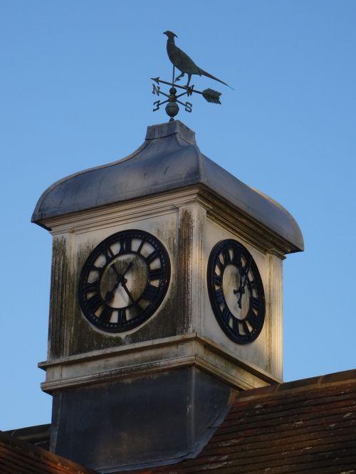 clock tower clock wind