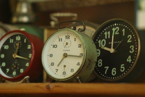 clocks  time  hours