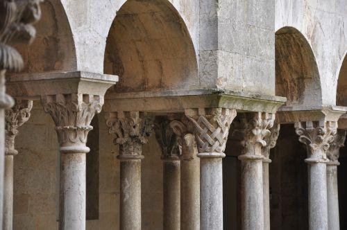 cloister romanesque girona