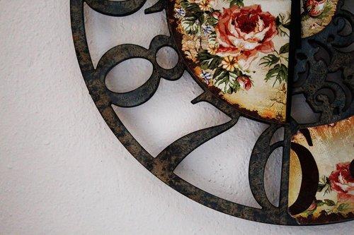 close up  clock  antique