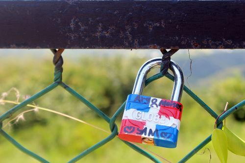 closed padlock united states