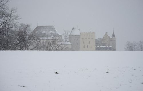 closed lenzburg winter snow flurry