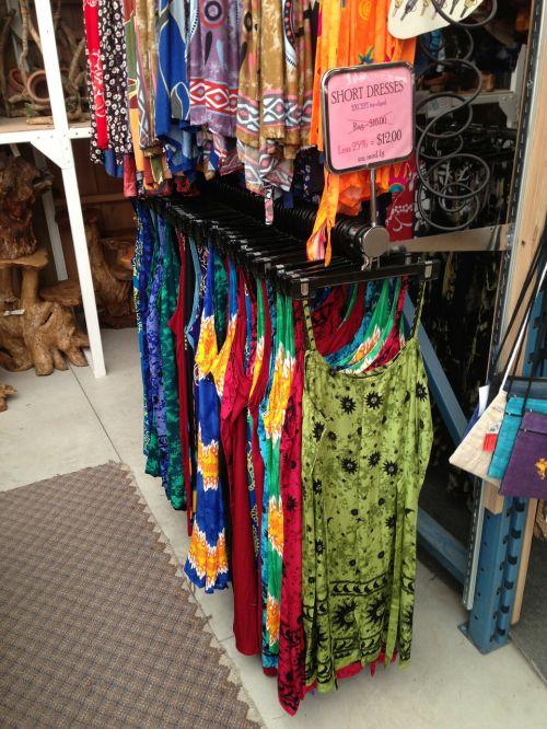 drabužiai,stovas,apranga,suknelės,Drabužinė,mada,drabužis,drabužiai,boutique,pardavimas,laikyti,rodyti,pakabos,mažmeninė,stilius,kabantis,apranga,apranga
